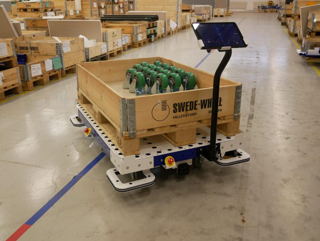 flexqube eqart mobile robot